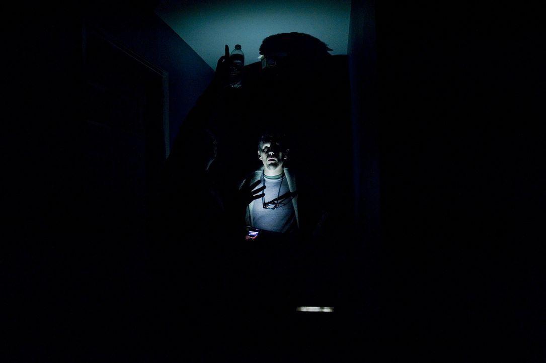 Dreht Ellison (Ethan Hawke) durch, oder verändert sich das Verhalten seiner Kinder seit dem Fund der Mord-Videos ebenfalls? - Bildquelle: Phillip Caruso 2011 GAME CHANGE