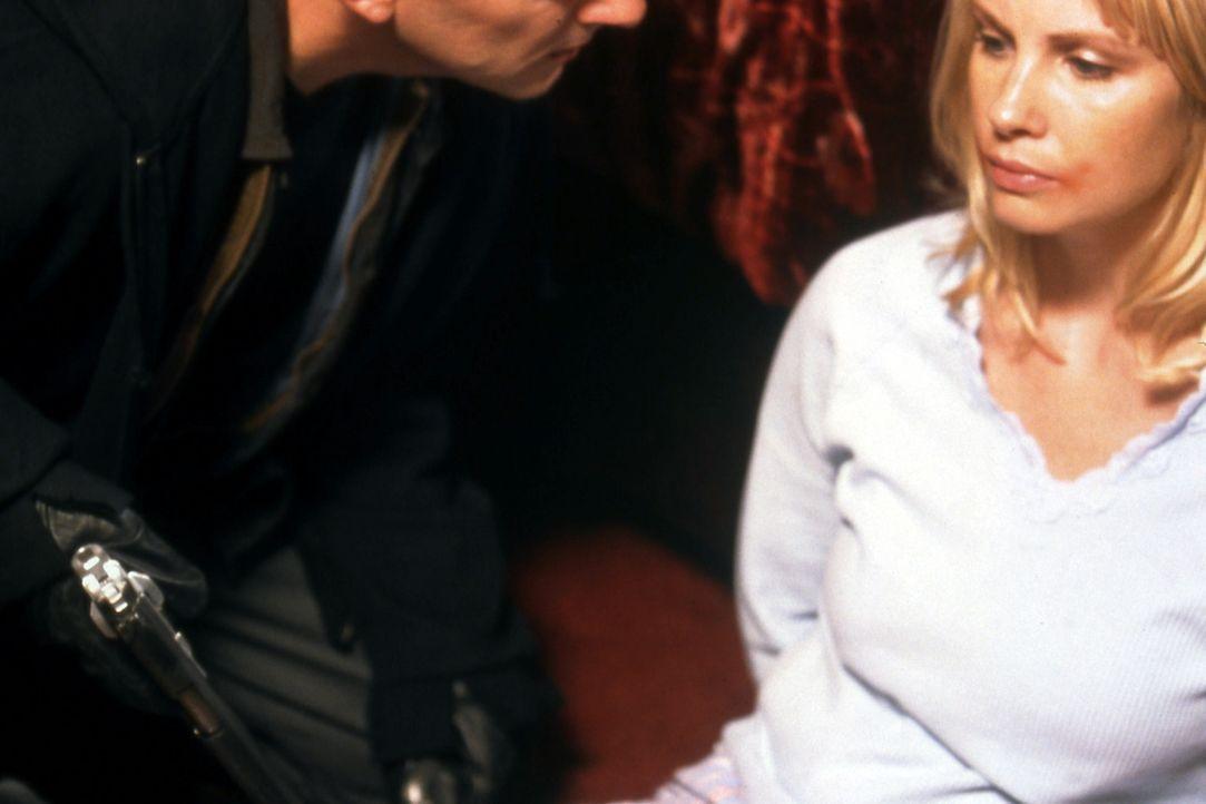 Wenn ihr Ehemann nicht innerhalb von sechs Stunden einen Menschen tötet, ist Allison (Monica Potter) das nächste Opfer des eiskalten Killers ... - Bildquelle: Twisted Pictures
