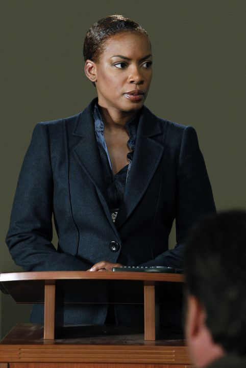 Leiterin des CBI: Madeleine Hightower (Aunjanue Ellis) ... - Bildquelle: Warner Bros. Television
