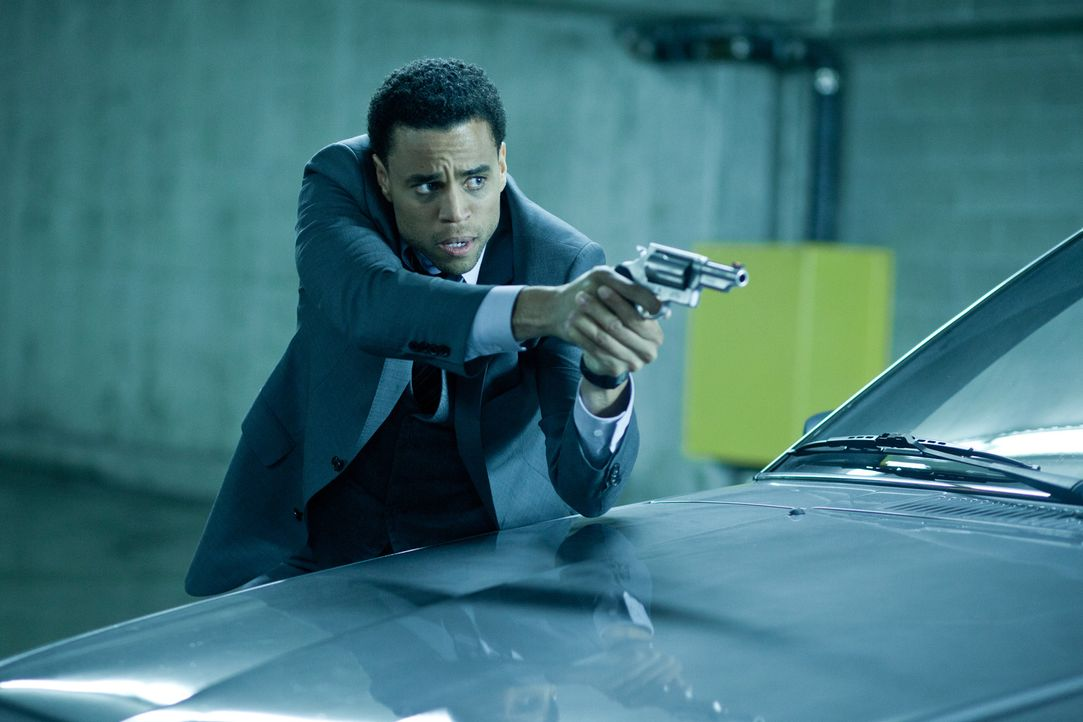 Ein falscher Fuffziger? Detective Sebastian (Michael Ealy) ... - Bildquelle: 2012 Lakeshore Entertainment Group LLC. All Rights Reserved.