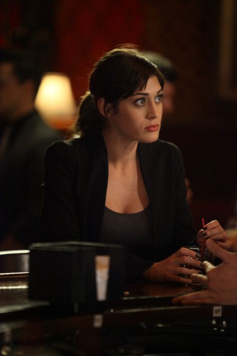 Wie steht Julia (Lizzy Caplan) zu Nick? - Bildquelle: 2012 Twentieth Century Fox Film Corporation. All rights reserved.