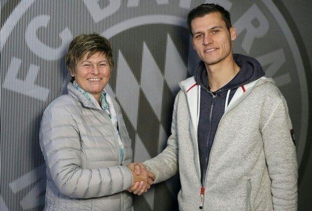Wörle (r.) verlängert seinen Vertrag bis 2019