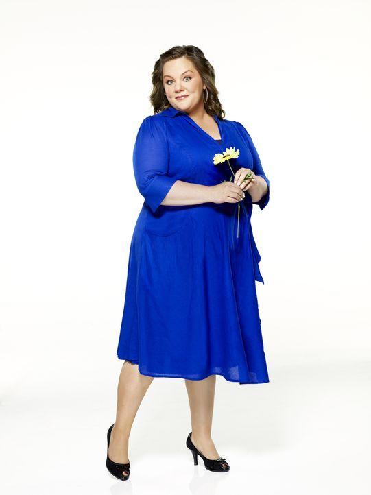 (1. Staffel) - Molly Flynn (Melissa McCarthy) ist Lehrerin der vierten Klasse mit einem guten Sinn für Humor, wenn es um ihre Kurven geht. - Bildquelle: 2010 CBS Broadcasting Inc. All Rights Reserved.