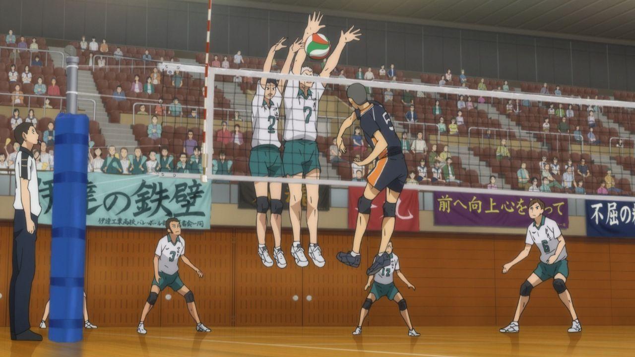 "Das Team der Date Tech Oberschule (l.); Ryunosuke Tanaka (r.) - Bildquelle: H.Furudate / Shueisha,""Haikyu!!?Project, MBS"