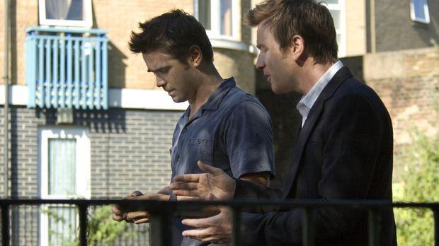 Die Brüder Ian (Ewan McGregor, r.) und Terry (Colin Farrell, l.) stecken beid...