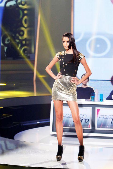 Fashion-Hero-Epi05-Gewinneroutfits-Yvonne-Warmbier-s-Oliver-02-Richard-Huebner - Bildquelle: Richard Huebner