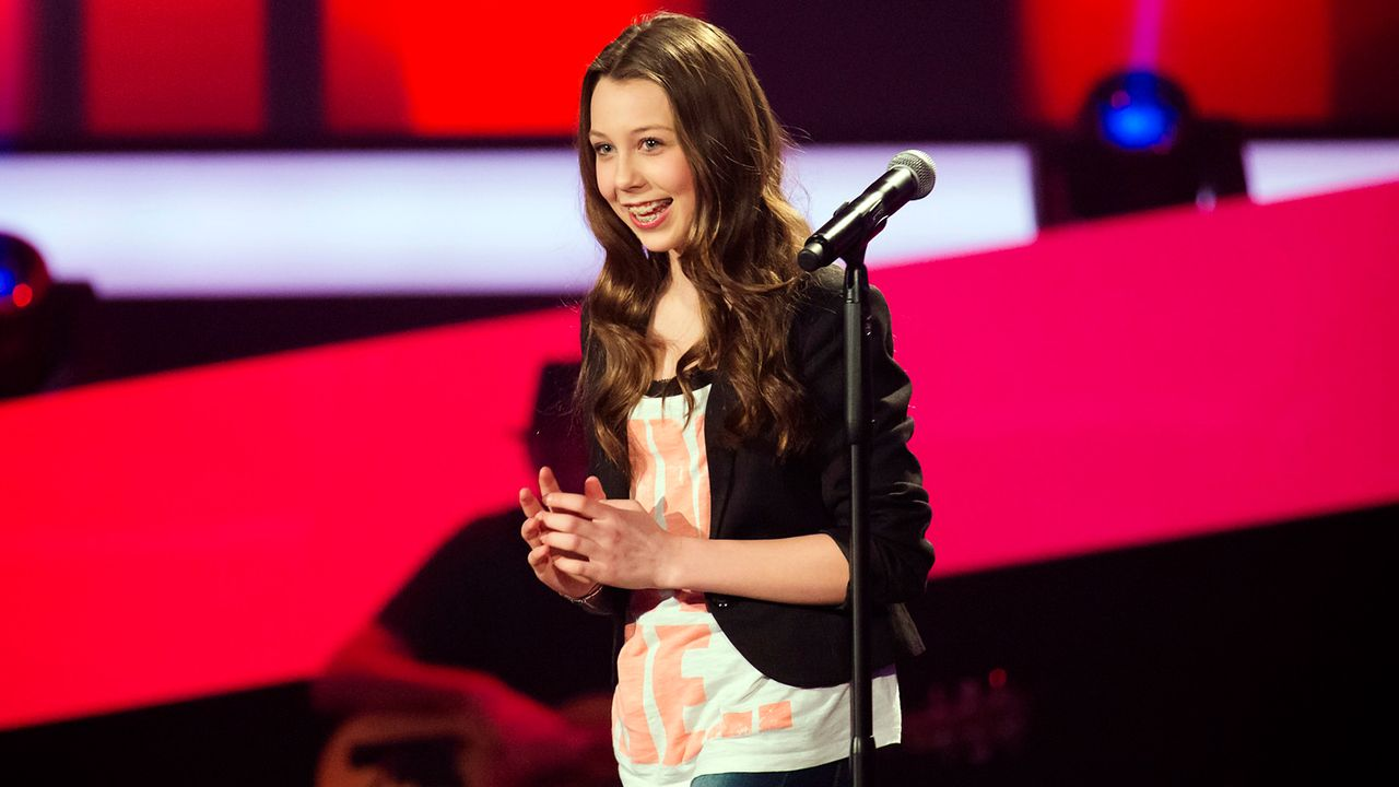 The-Voice-Kids-epi03-danach-Malin-3-SAT1-Richard-Huebner - Bildquelle: SAT.1/Richard Hübner
