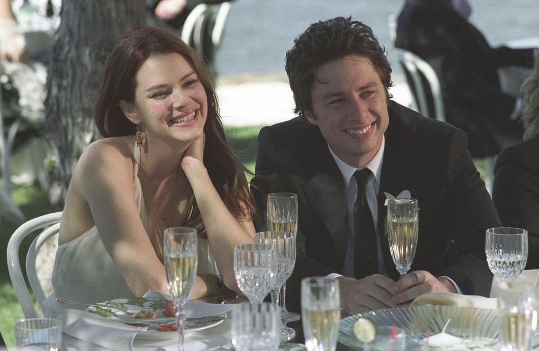 Glückliches Paar: Michael (Zach Braff, r.) und Jenna (Jacinda Barrett, l.) erwarten ein Baby. Doch dann gerät Michael in eine Sinnkrise und zerstört... - Bildquelle: DreamWorks Pictures