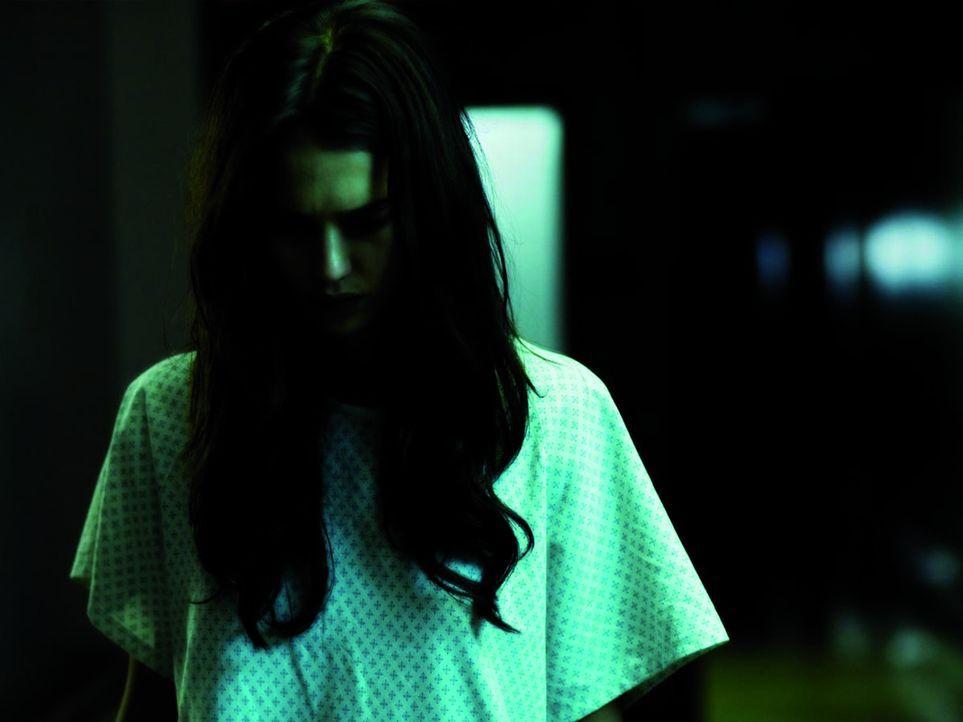 Alles nur Einbildung oder doch grauenhafte Realität? Seit sie die Augentransplantation hatte, verfolgen die Ausnahmegeigerin Sydney Wells (Jessica...