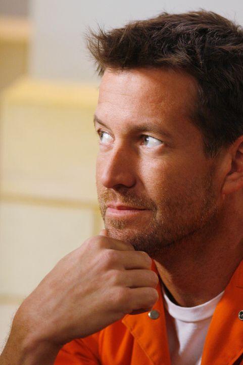 Bittet Zach, seinen Vater Paul im Gefängnis zu besuchen: Mike (James Denton) ... - Bildquelle: 2005 Touchstone Television  All Rights Reserved