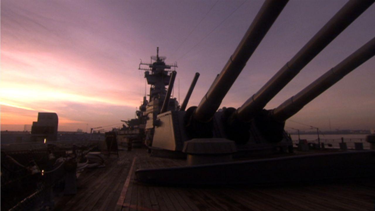 """Die """"USS New Jersey"""" erbrachte 1950 im Koreakrieg Höchstleistungen und wurde zudem im Vietnamkrieg, im libanesischen Bürgerkrieg und im Golfkrieg ei... - Bildquelle: Lou Reda Productions, Inc."""