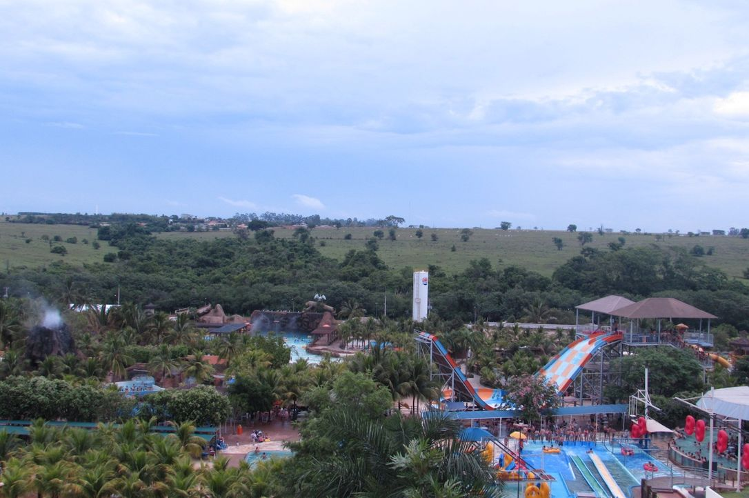 Weit über die Grenze Brasiliens bekannt: der Wasserpark Thermas dos Laranjais ... - Bildquelle: 2016,The Travel Channel, L.L.C. All Rights Reserved.