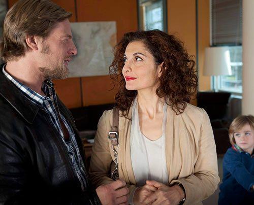 Mick und Tanja handeln sich ordentlich Ärger ein, weil sie den kleinen Timo beschützen wollen.  - Bildquelle: Martin Rottenkolber - Sat1