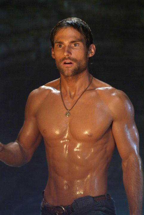 Auf der Suche nach einem Schatz im Amazonas: Travis (Seann William Scott) ... - Bildquelle: 2004 Sony Pictures Television International. All Rights Reserved.