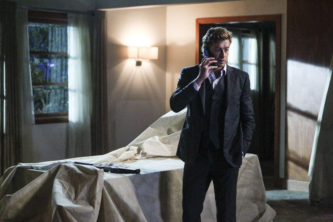 Nachdem er das letzte fehlende Beweisstück sichergestellt hat, versucht Patrick (Simon Baker), die übrigen Red John-Verdächtigen einzusammeln, um... - Bildquelle: Warner Bros. Television