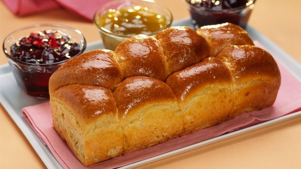 Backrezept: Brioche aus Hefeteig mit Marmelade