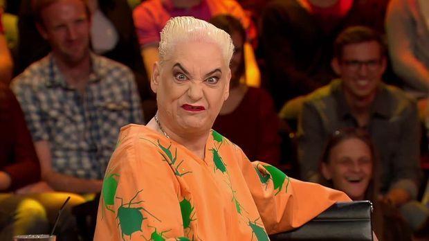 Genial Daneben - Die Comedy Arena - Genial Daneben - Die Comedy Arena - Hugo Macht Frau Von Sinnen Mal Wieder Verrückt!
