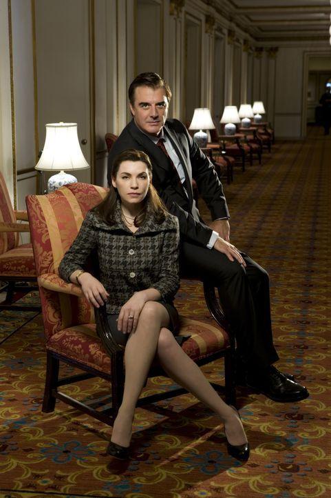 (1. Staffel) - Nachdem ihr Ehemann (Chris Noth, r.) für einen öffentlichen Sex- und Politikskandal sorgte, der ihn ins Gefängnis bringt, muss Ali... - Bildquelle: CBS Studios Inc. All Rights Reserved.
