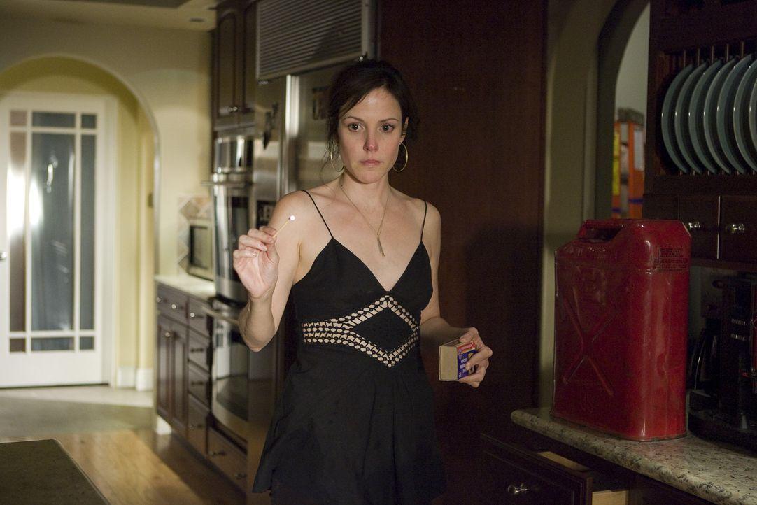 Wird Nancy (Mary-Louise Parker) wirklich das Haus anzünden, um einen Schlussstrich ziehen zu können? - Bildquelle: Lions Gate Television