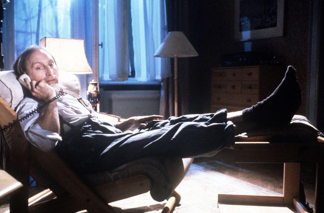 """Auch Ottos (Otto Waalkes) neueste Geschäftsidee, 0190-Nummer """"Otti macht dich nass"""", ist eigenartigerweise kein Erfolg ... - Bildquelle: Rialto Film"""