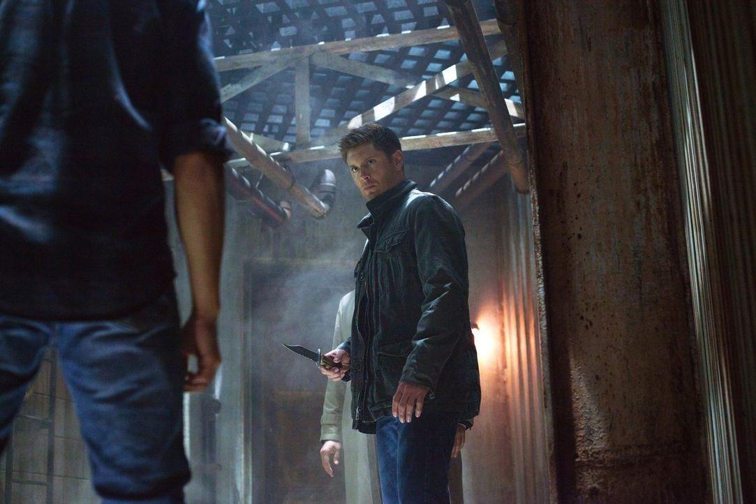 Als Dean (Jensen Ackles) immer wieder glaubt, Castiel zu sehen, beginnt er an seinem Verstand zu zweifeln. Zu Recht? - Bildquelle: Warner Bros. Television