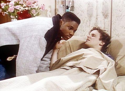 Bill Cosby Show - Theo (Malcolm-Jamal Warner, l.) hat endlich den Mut aufgebr...