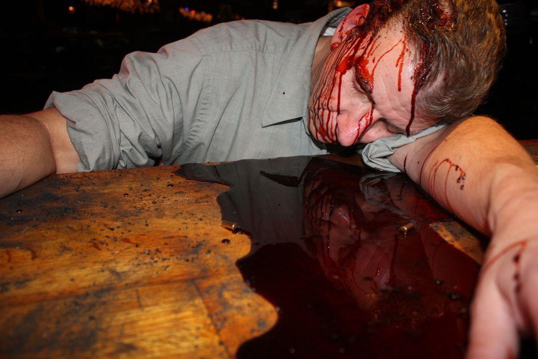 Wieso mussten drei Menschen in einer Bar sterben? Zufall oder war es eine geplante Tat? - Bildquelle: Jupiter Entertainment