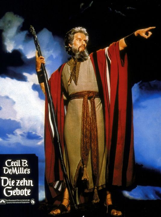 Als Moses (Charlton Heston) die Erscheinung Gottes im Dornbusch widerfährt, wird er zum Propheten Gottes, der die Israeliten aus Ägypten in die Fr... - Bildquelle: Paramount Pictures