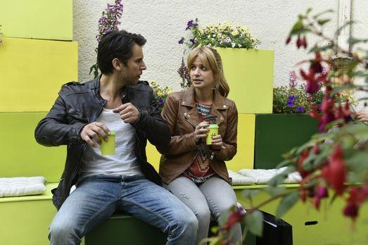 Mila - Als Nick (Florian Odendahl, l.) Mila (Susan Sideropoulos, r.) mitteilt...