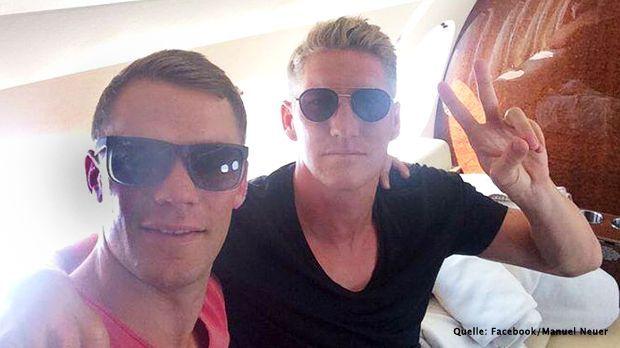 Schnappschuss-Manuel-Neuer-Bastian-Schweinsteiger-Facebook-Manuel-Neuer - Bildquelle: Facebook/Manuel Neuer
