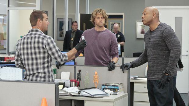 Nach einer Schießerei machen Callen (Chris O'Donnell, l.), Sam (LL Cool J, r....