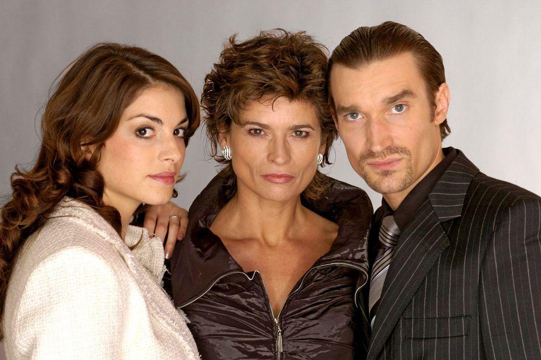 (2. Staffel) - Sophie von Brahmberg (Gabrielle Scharnitzky, M.) und ihr Sohn Richard (Karim Köster, r.) sind sich ähnlich und haben ein enges Vertra... - Bildquelle: Andre Kowalski SAT.1