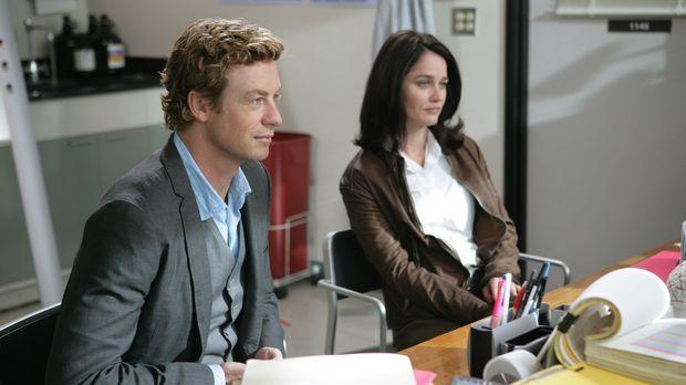Ein neuer Mordfall beschäftigt Teresa (Robin Tunney, r.) und Patrick (Simon B...
