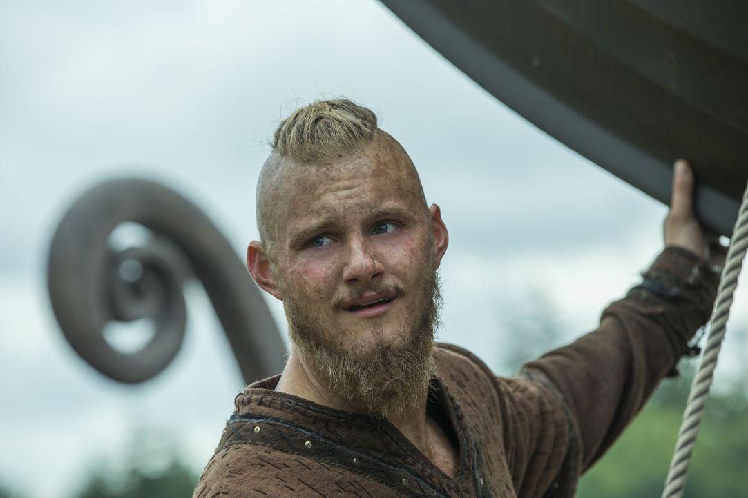 Während es Graf Odo misslingt herauszufinden, wer seine wahren Feinde sind, haben die Wikinger um Bjorn (Alexander Ludwig) neue Pläne, um mit Beute... - Bildquelle: 2016 TM PRODUCTIONS LIMITED / T5 VIKINGS III PRODUCTIONS INC. ALL RIGHTS RESERVED.