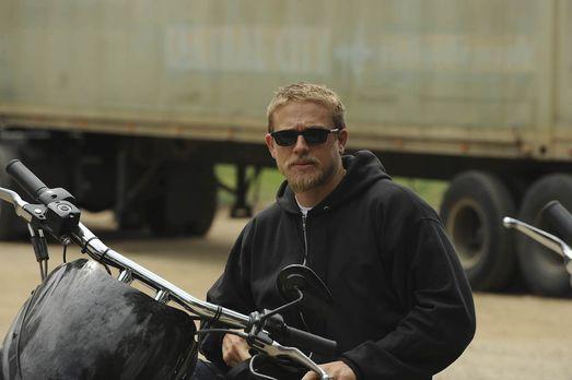 Sons of Anarchy - Clay tut alles, um zu verhindern, dass Jax (Charlie Hunnam)...
