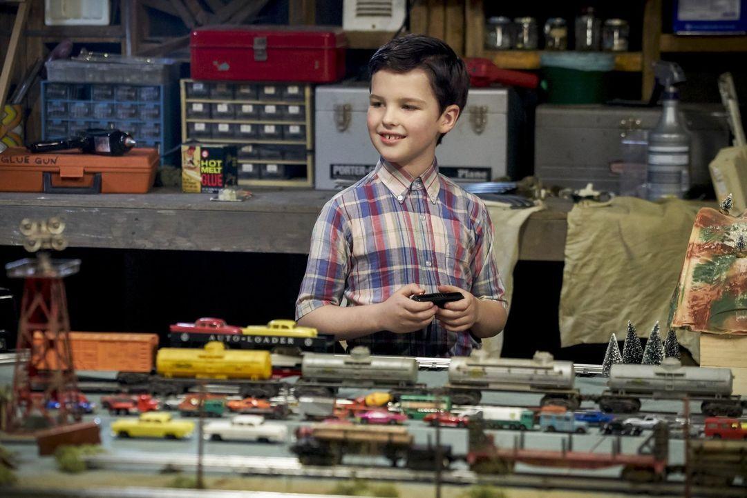 Während andere Kinder den Sommer draußen verbringen und Abenteuer erleben wollen, hat Sheldon (Iain Armitage) ganz andere Vorstellungen von einer sc... - Bildquelle: Warner Bros.