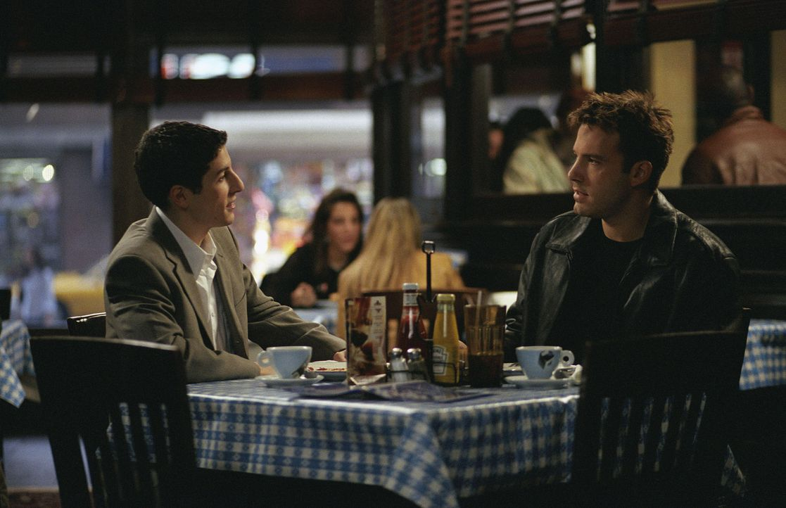 Arthur Brickman (Jason Biggs, l.) und Ollie (Ben Affleck, r.) ... - Bildquelle: Miramax Films. All rights reserved