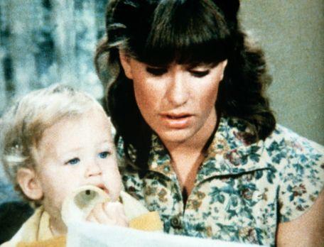 Die Waltons - Mary Ellen (Judy Norton-Taylor, r.) liest noch einmal den Brief...