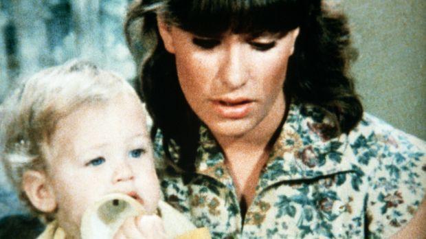 Mary Ellen (Judy Norton-Taylor, r.) liest noch einmal den Brief, den ihr Mann...