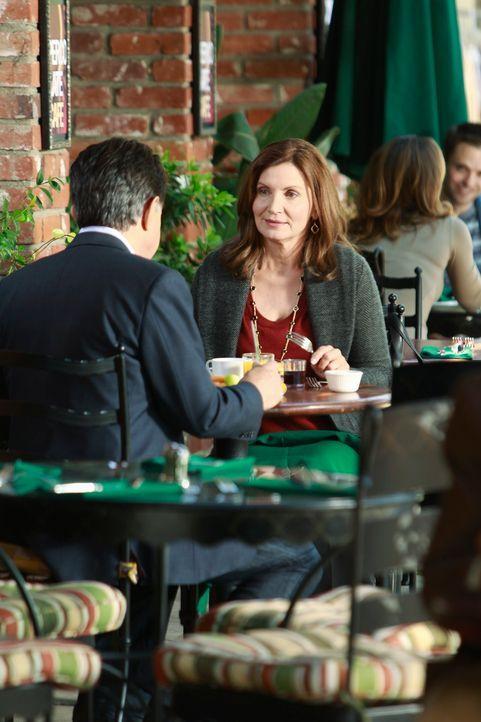 David Rossi (Joe Mantegna, l.) erhält Besuch von seiner Ex-Frau Carolyn (Isabella Hoffman, r.), die eine schlechte Nachricht für ihn hat ... - Bildquelle: ABC Studios