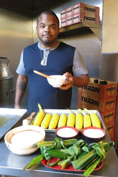 Roger Mooking - Bildquelle: 2016,Cooking Channel, LLC. All Rights Reserved.