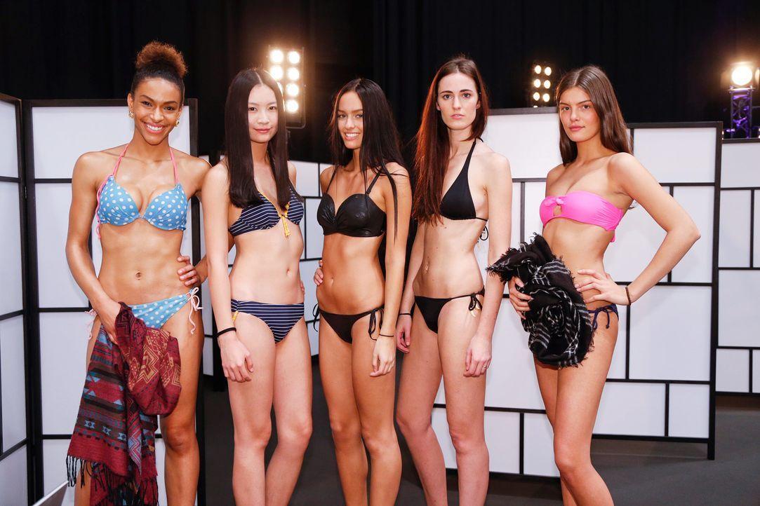 GNTM-Stf10-Epi02-Bikiniwalk-17-ProSieben-Richard-Huebner