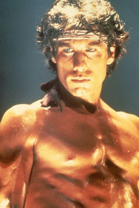 Tony Manero (John Travolta) lebt noch bei seinen Eltern in Brooklyn und arbeitet wochentags in einem Kramladen. Der Höhepunkt seiner Woche ist der... - Bildquelle: Paramount Pictures