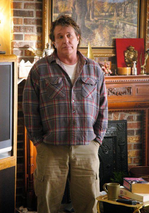 """Nicks Vater """"The Commander"""" (Tom Berenger) ist verwitwet. Alleine fühlt er sich deswegen jedoch nicht, denn er hat eine Frau an seiner Seite, von de... - Bildquelle: 2007 American Broadcasting Companies, Inc. All rights reserved."""