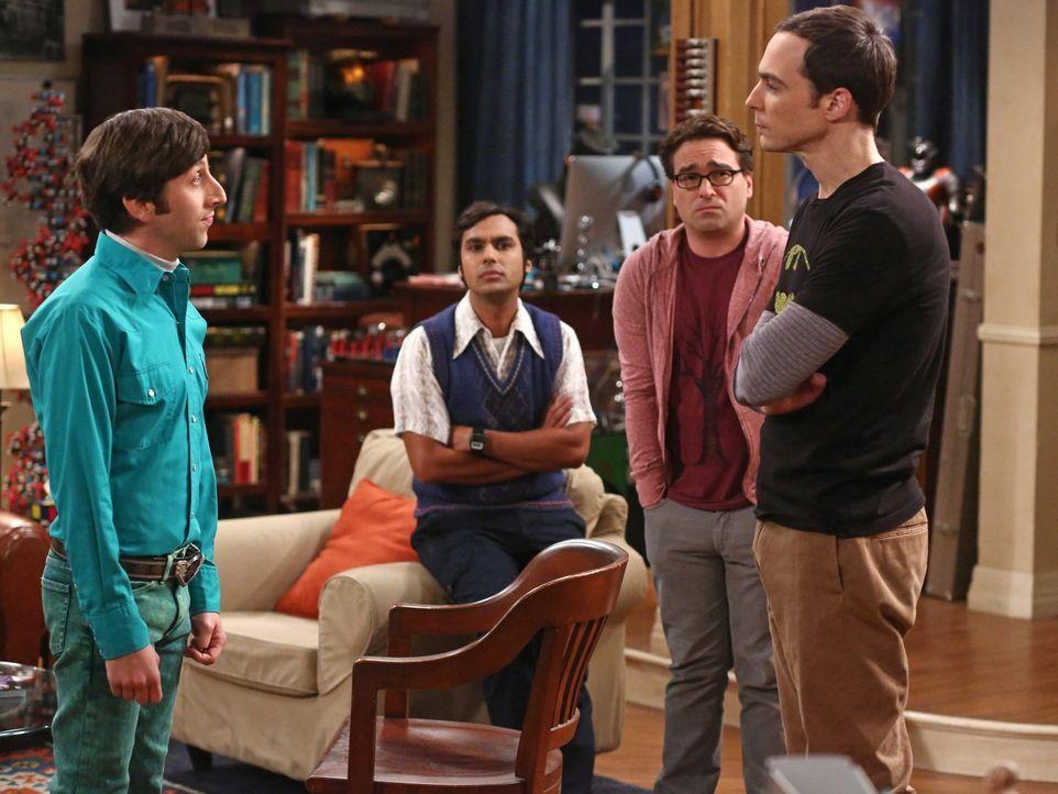 Als Sheldon (Jim Parsons, r.) dazu gezwungen wird, eine Klasse zu unterrichten, überrascht Howard (Simon Helberg, l.) seine Freunde  Leonard (Johnny... - Bildquelle: Warner Brothers