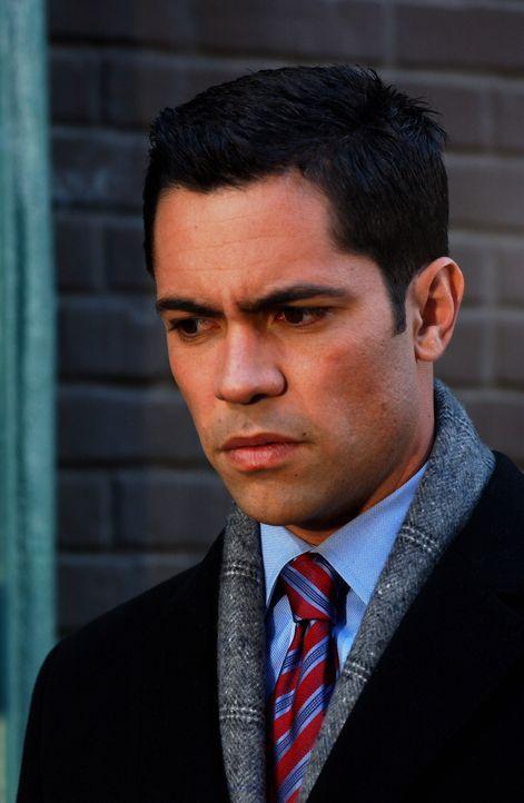 Gemeinsam mit Will arbeitet Scott (Danny Pino) an dem ungelösten Mord an Greg Vizcaino ... - Bildquelle: Warner Bros. Television