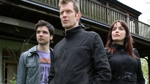 Connor (Andrew Lee Potts, l.), Detective Constable Quinn (Jason Flemyng, M.)...