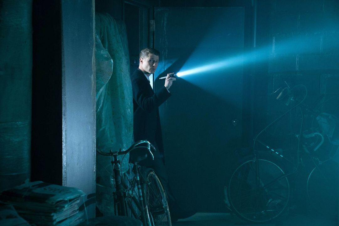 Kommt einem gefährlichen Geheimnis auf die Spur: Gordon (Ben McKenzie) ... - Bildquelle: Warner Brothers
