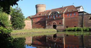 Die Zitadelle Spandau lockt nicht nur mit einem geschichtsträchtigen Gemäuer....