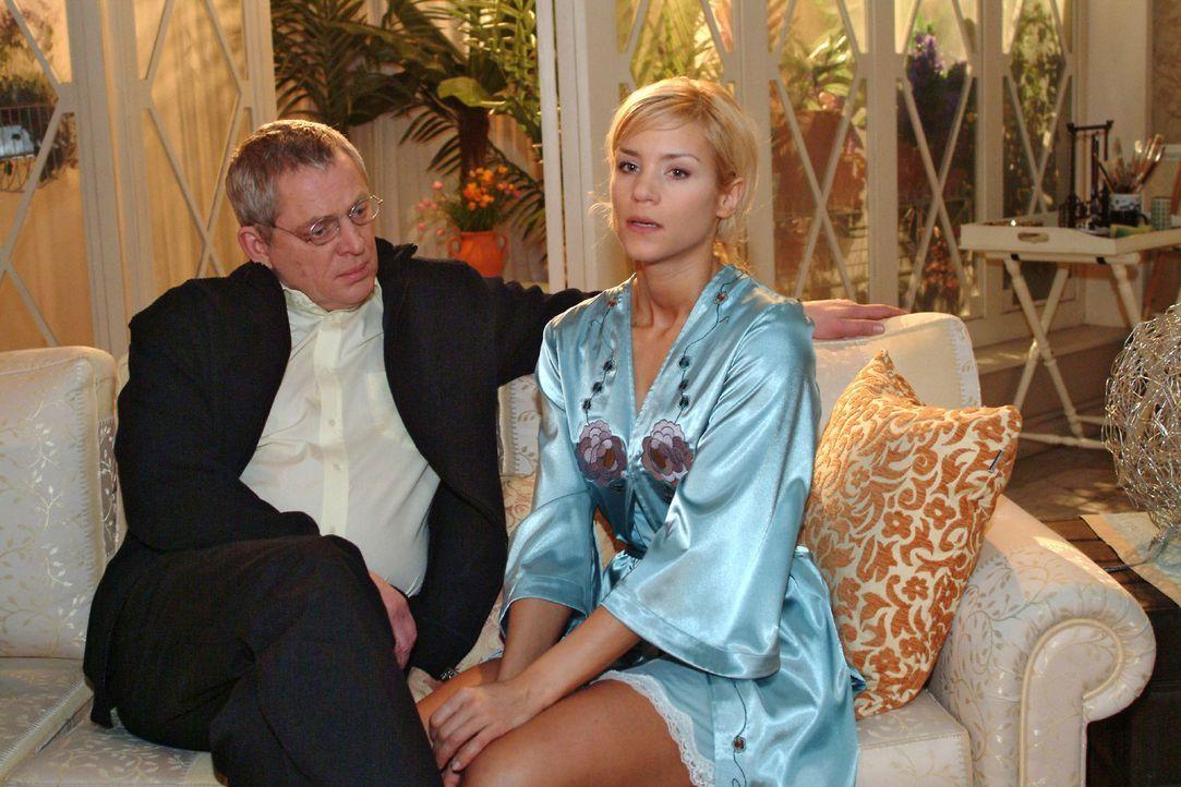 Sabrina (Nina-Friederike Gnädig, r.) versucht Friedrich (Wilhelm Manske, l.) davon zu überzeugen, dass sie noch nicht in der Lage ist, wieder zur... - Bildquelle: Noreen Flynn Sat.1